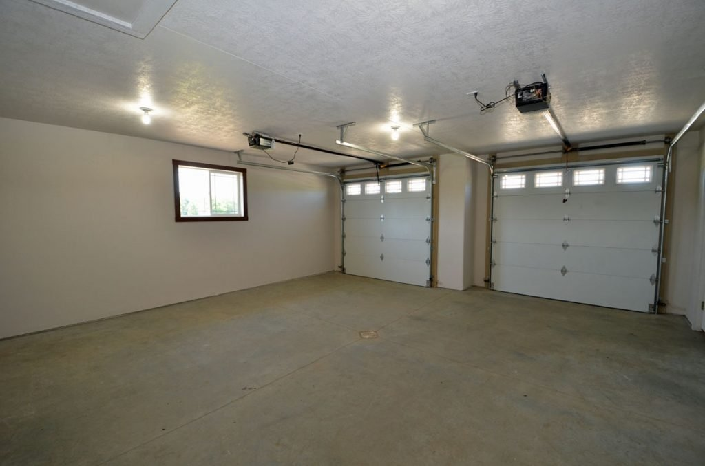 Large Double Attahced Garage