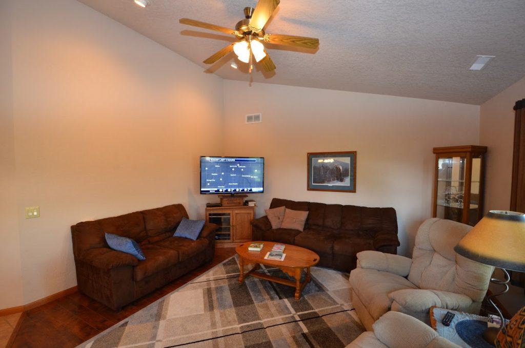 510 Country Club Lane Family Room 2