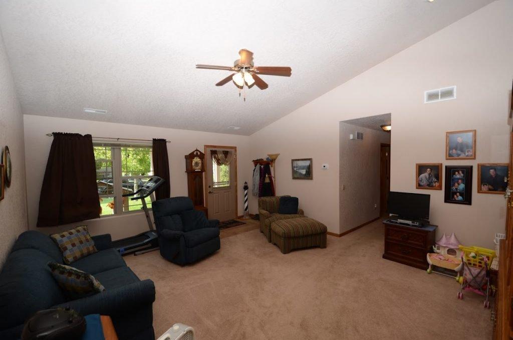 510 Country Club Lane Living Room