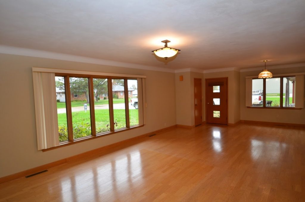 919_1st_Ave_SW_Great Room 2