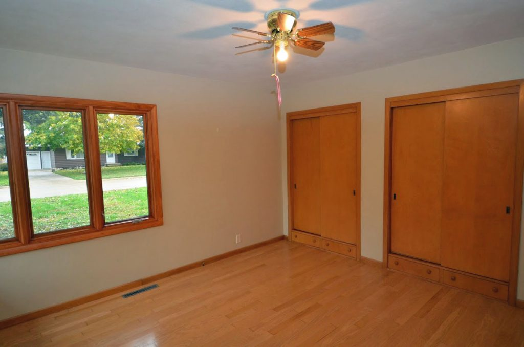919_1st_Ave_SW_Master Bedroom 2