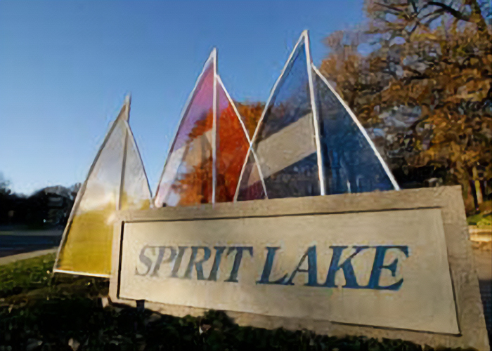 Spirit Lake Area Homes